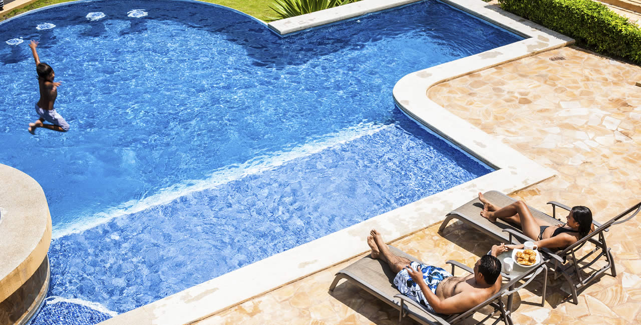 How weather affects swimming pool maintenance beachside for Pool service